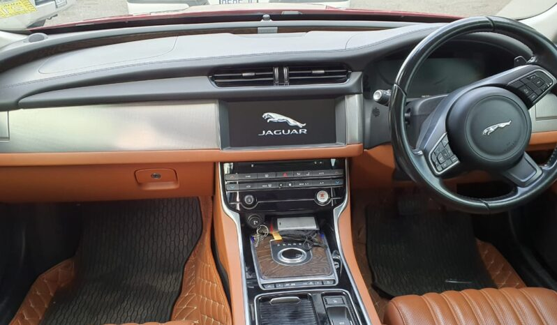 Jaguar XF 2017 full