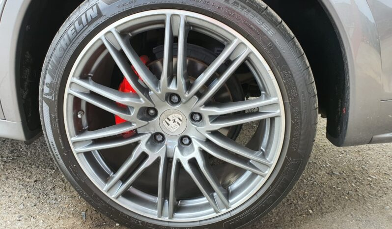 Porsche Cayenne GTS 2014 full