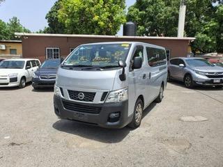 Nissan Caravan 2015 full